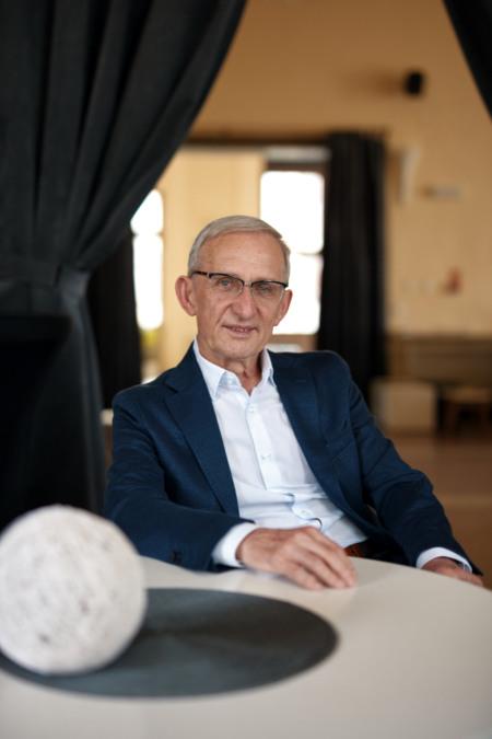 Dyrektor Naczelny <br>  JANUSZ JASIŃSKI
